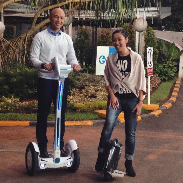 Airwheel Intelligent Self-Balancing Scooter are becoming highly popular