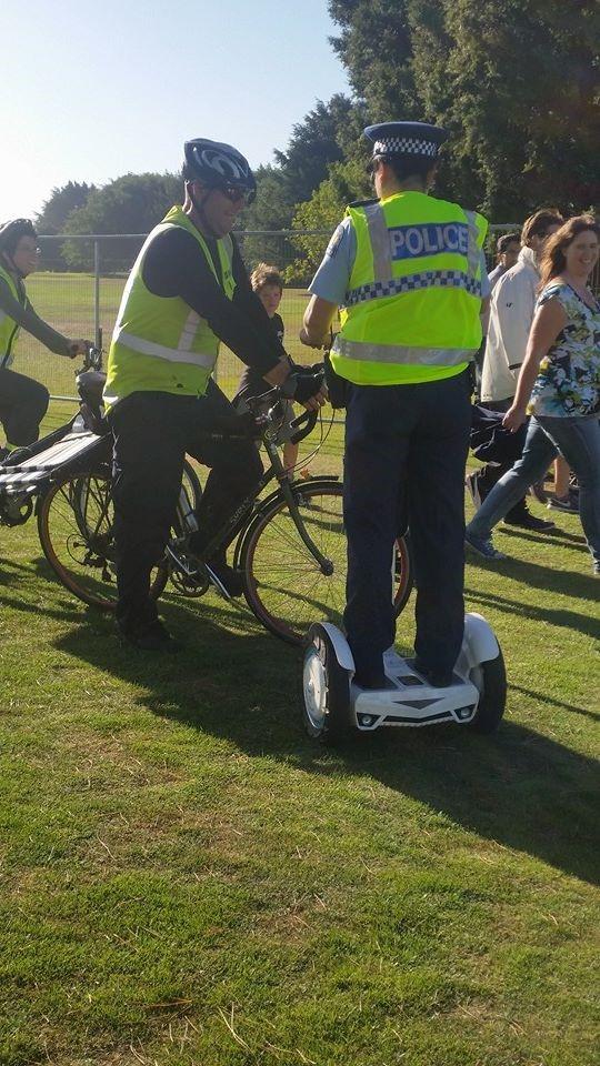 Polizisten lieben Airwheel S3 2-Rad Elektroroller