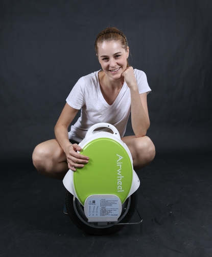 timeless design 98044 a8f05 More of these improvements are the basis Airwheel electric unicycle on  strengthening, and compared to the previous Airwheel electric wheelbarrow,  ...