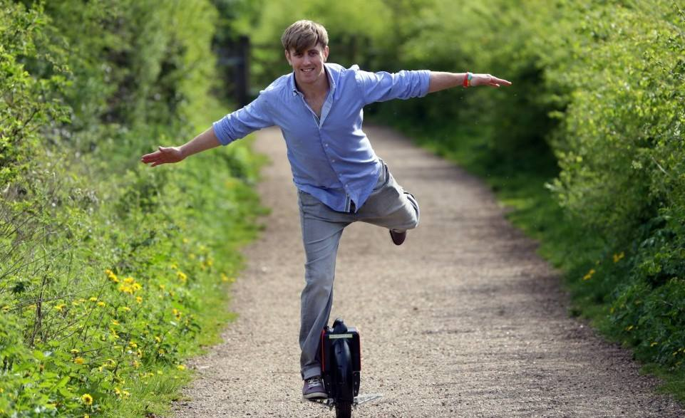 Airwheel,electric one wheel,one wheel scooter,electric unicycle,electric scooter,self-balance unicycle