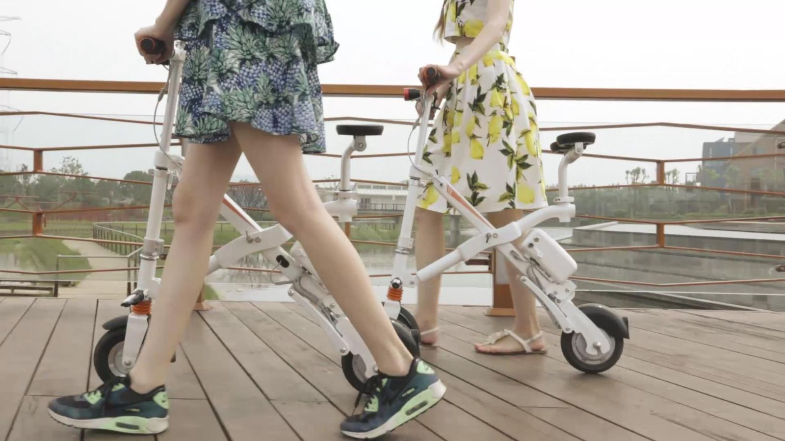the selling points of Airwheel foldable electric bicycle E6