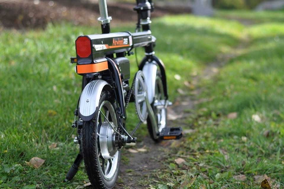 Airwheel R6 electric bike review