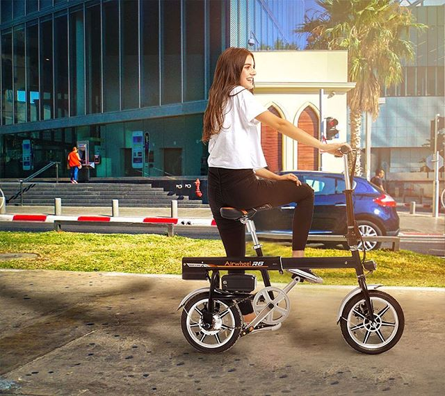 Airwheel R6 smart electric bicycle