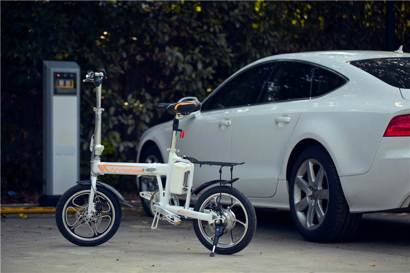 Airwheel R5 citizen electric assist bike