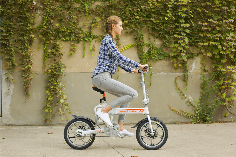 Airwheel R5 portable electric bike