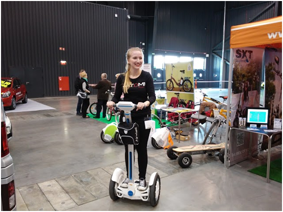 http://www.airwheel.net/images/Airwheel_Gdansk1.png