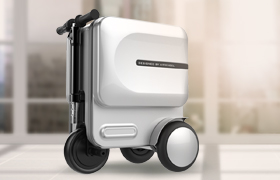 Airwheel SE3 is way beyond a suitcase, it become a personal mobility device.