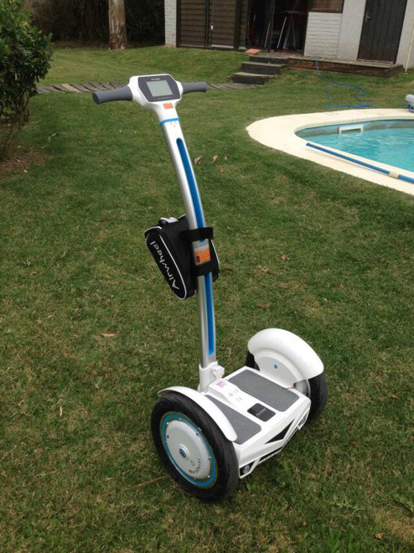 http://www.airwheel.net/images/Airwheel_scooter7.jpg