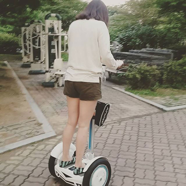 intelligent two-wheeled scooter Airwheel S3