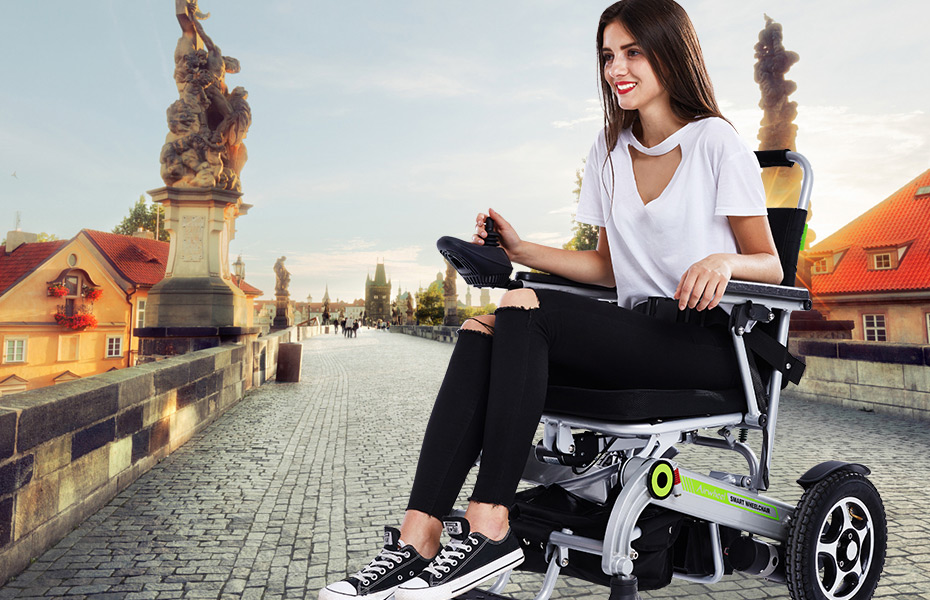 H3 lightweight folding wheelchair