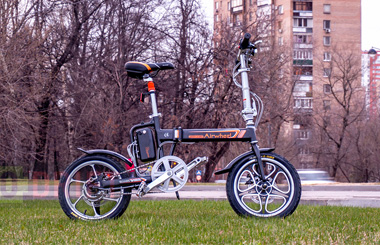 Airwheel R5 assist electric bicycle