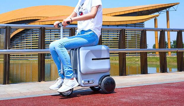 Airwheel SE3 ride on luggage for adults