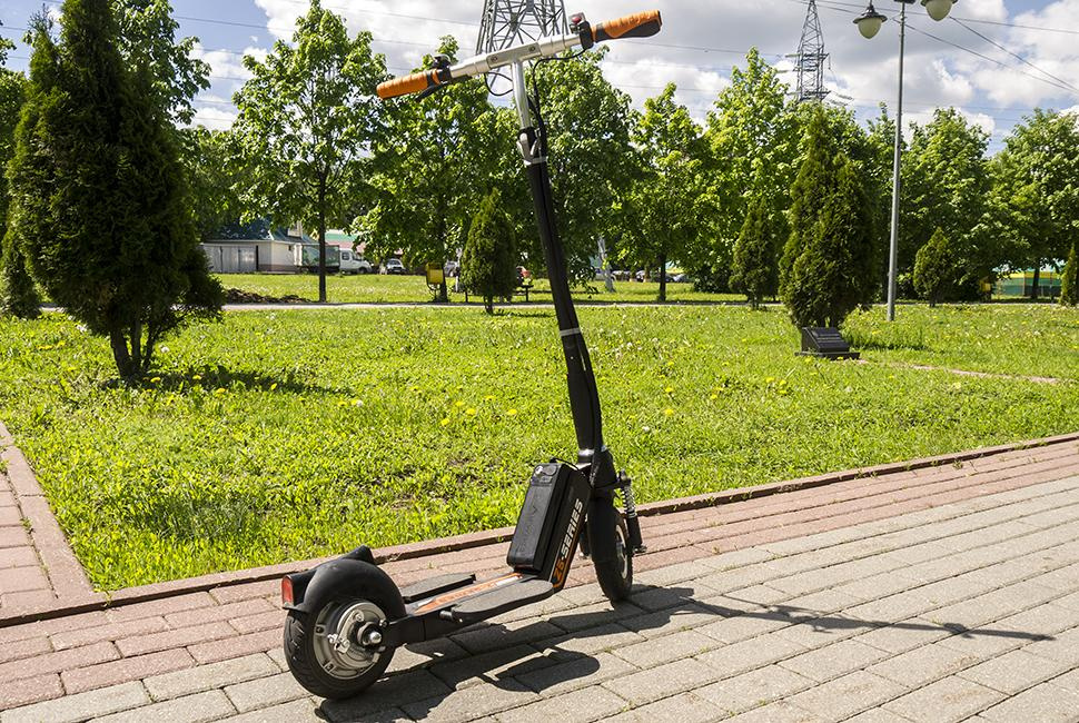 Airwheel eco-friendly electric scooter