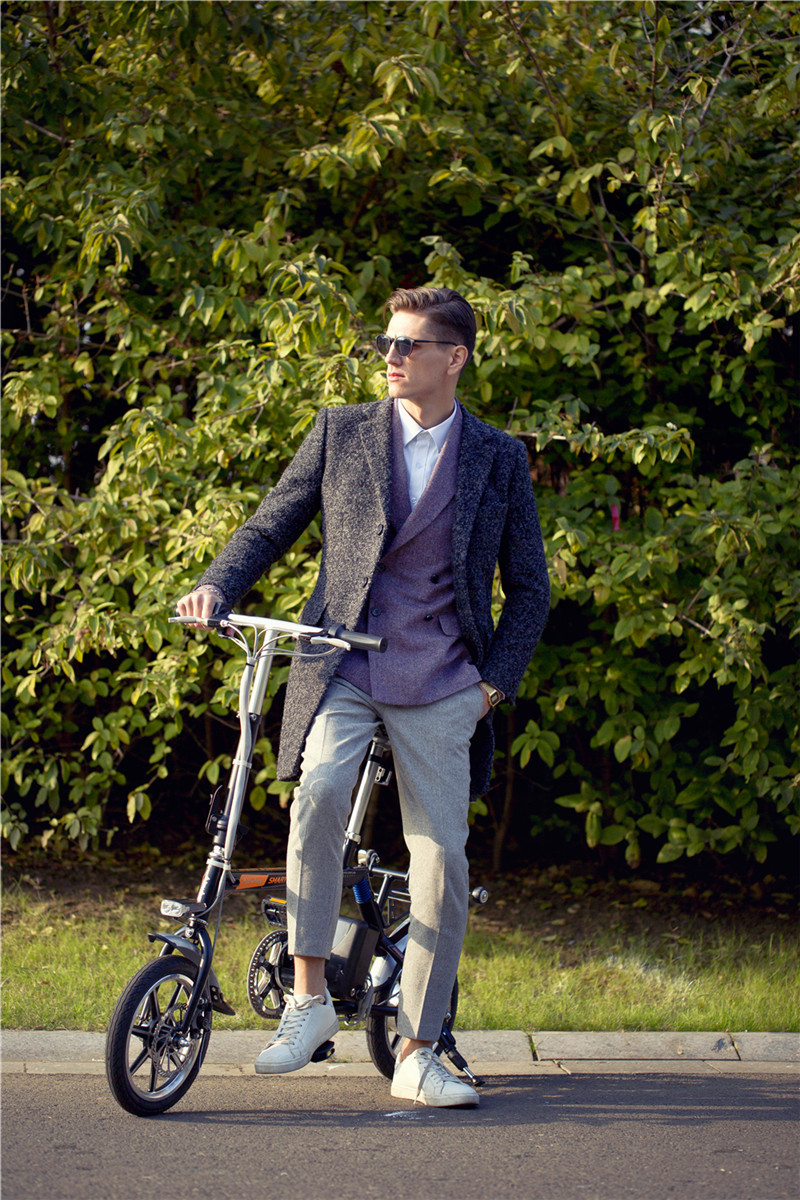Airwheel R3 citizen e-bike