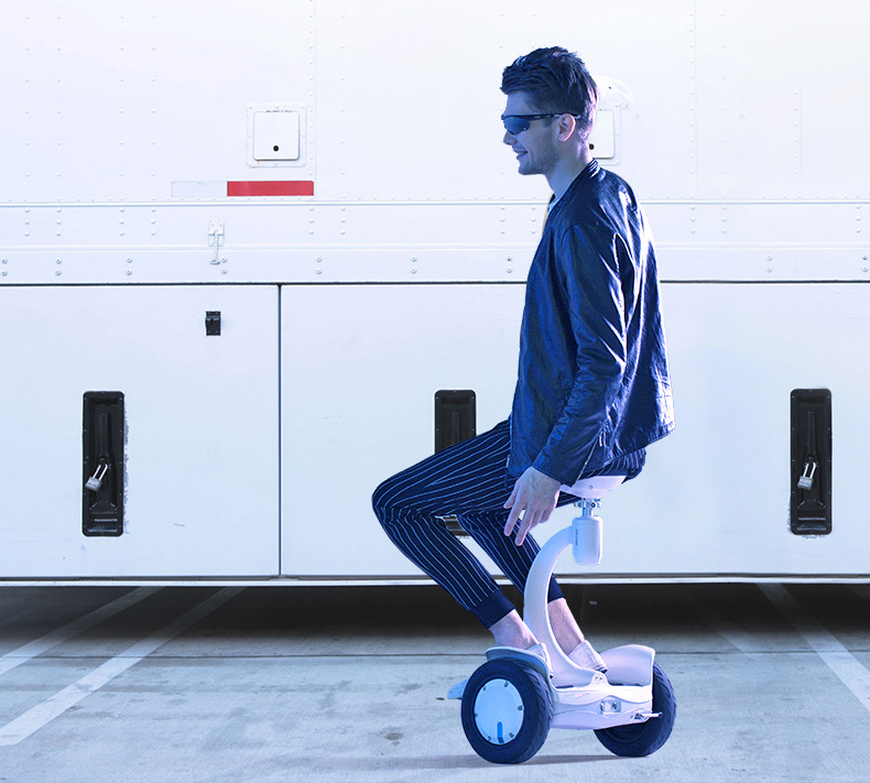 Airwheel two-wheeled self-balancing scooter S8