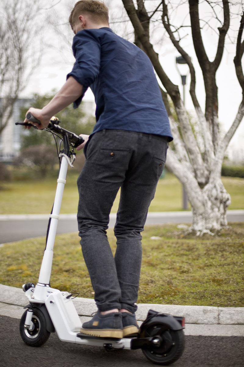 Airwheel Z5 standing up electric hoverboard