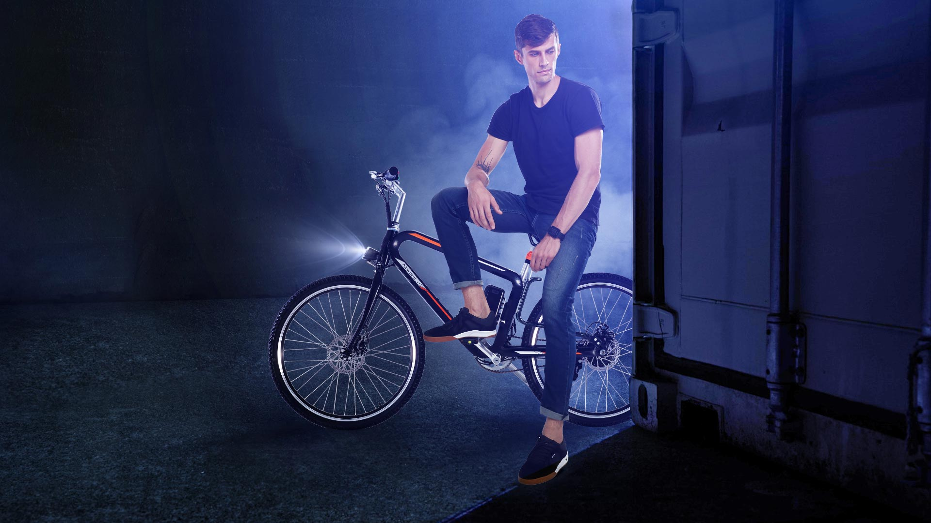 Airwheel R8 triangle electric bike