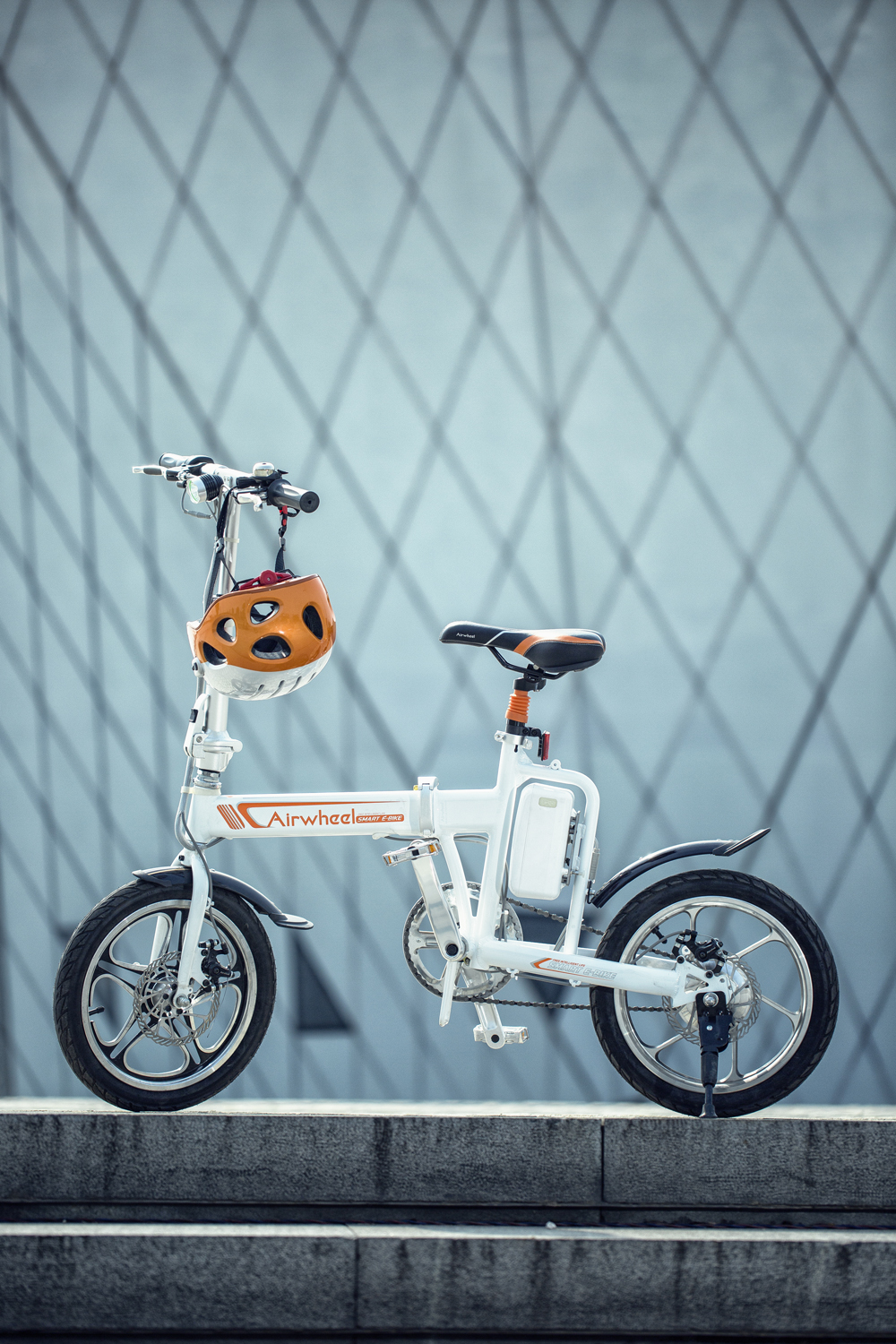 Airwheel R5 electric power bike