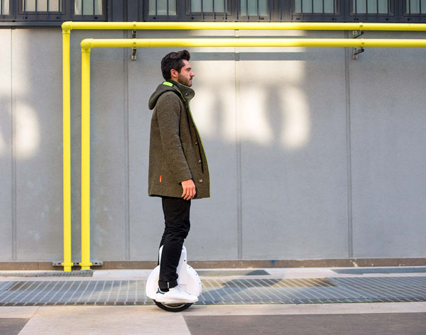 Airwheel electric self-balancing scooters Q
