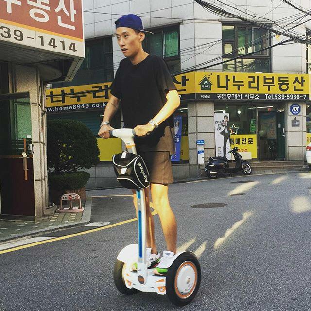http://www.airwheel.net/scooter/Airwheel_S3_16.jpg