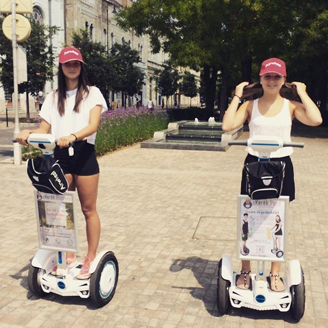 Airwheel Self Balancing Electric Scooter With No Handles Conducive For Brain Development