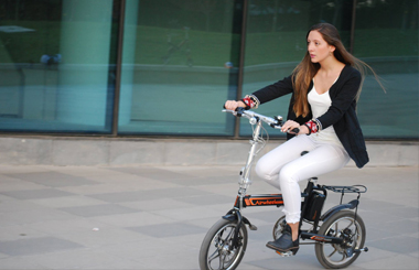 Smart Electric Bike Airwheel R5
