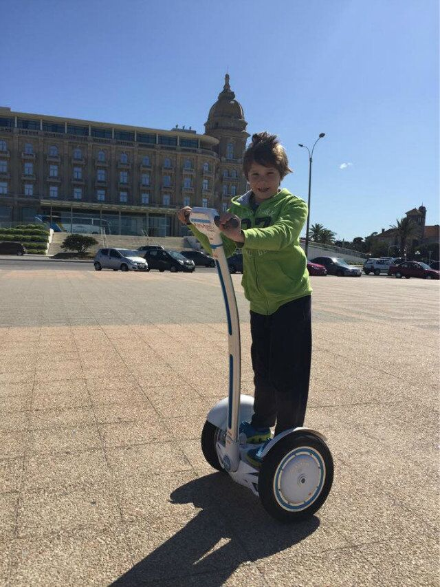 http://www.airwheel.net/scooters/Airwheel_S3_j.jpg