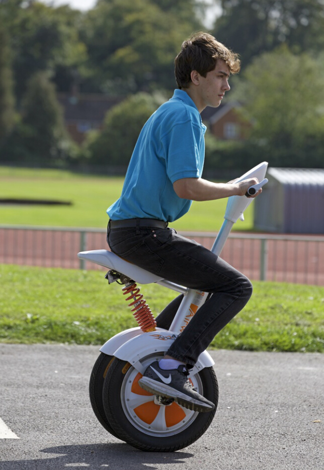 http://www.airwheel.net/skateboard/Airwheel_A3_13.jpg