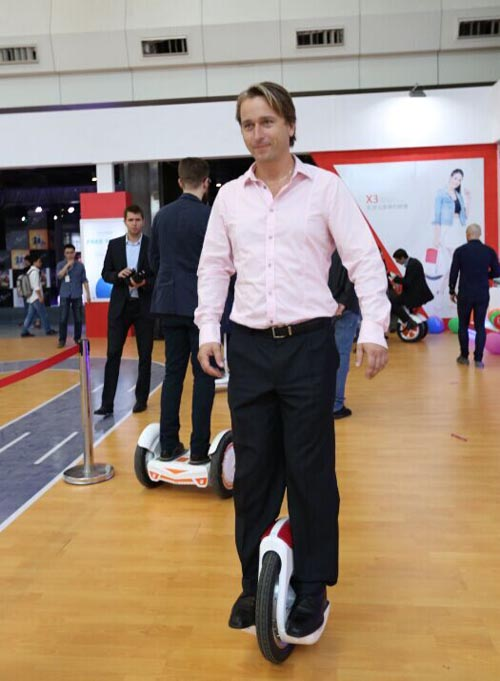Airwheel F3 annular intelligent scooter
