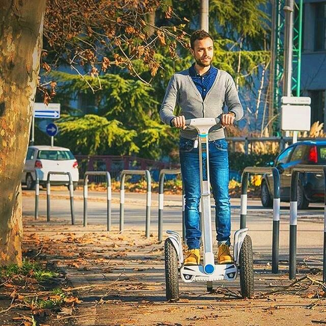 Airwheel S5 self-balancing 2-wheeled electric scooter