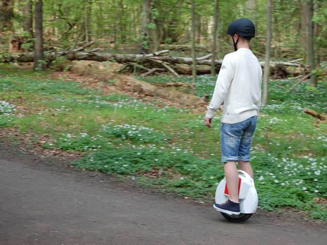 http://www.airwheel.net/skateboard/Airwheel_X6_1.jpg