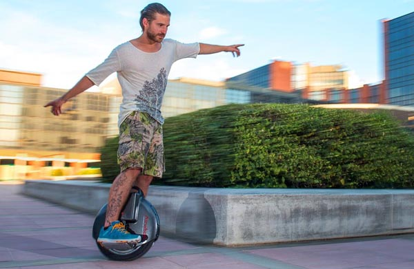 http://www.airwheel.net/skateboard/Airwheel_X8_n.jpg