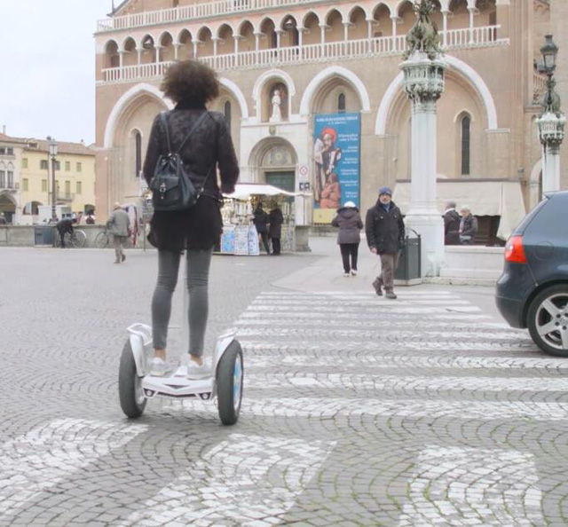 Airwheel S5 standing up electric scooter