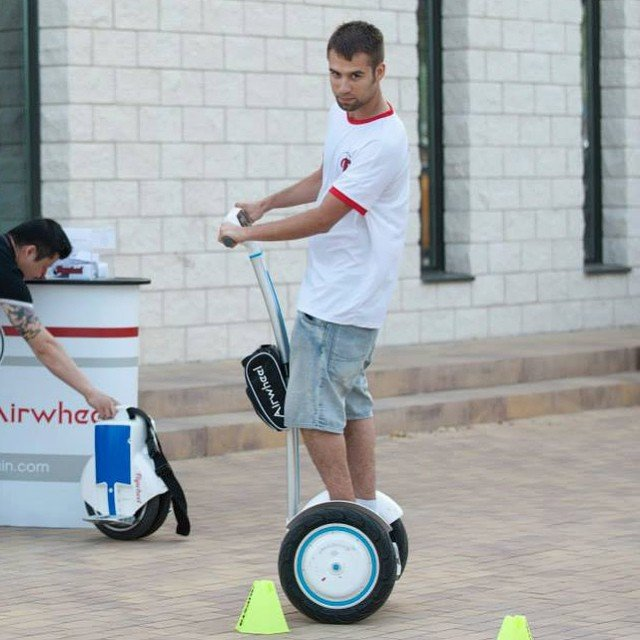 Airwheel S3 Balancing Scooter Presents a New Green and