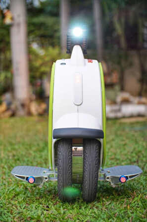 Airwheel Self-Balancing Scooter A New Thinking of Short Commute