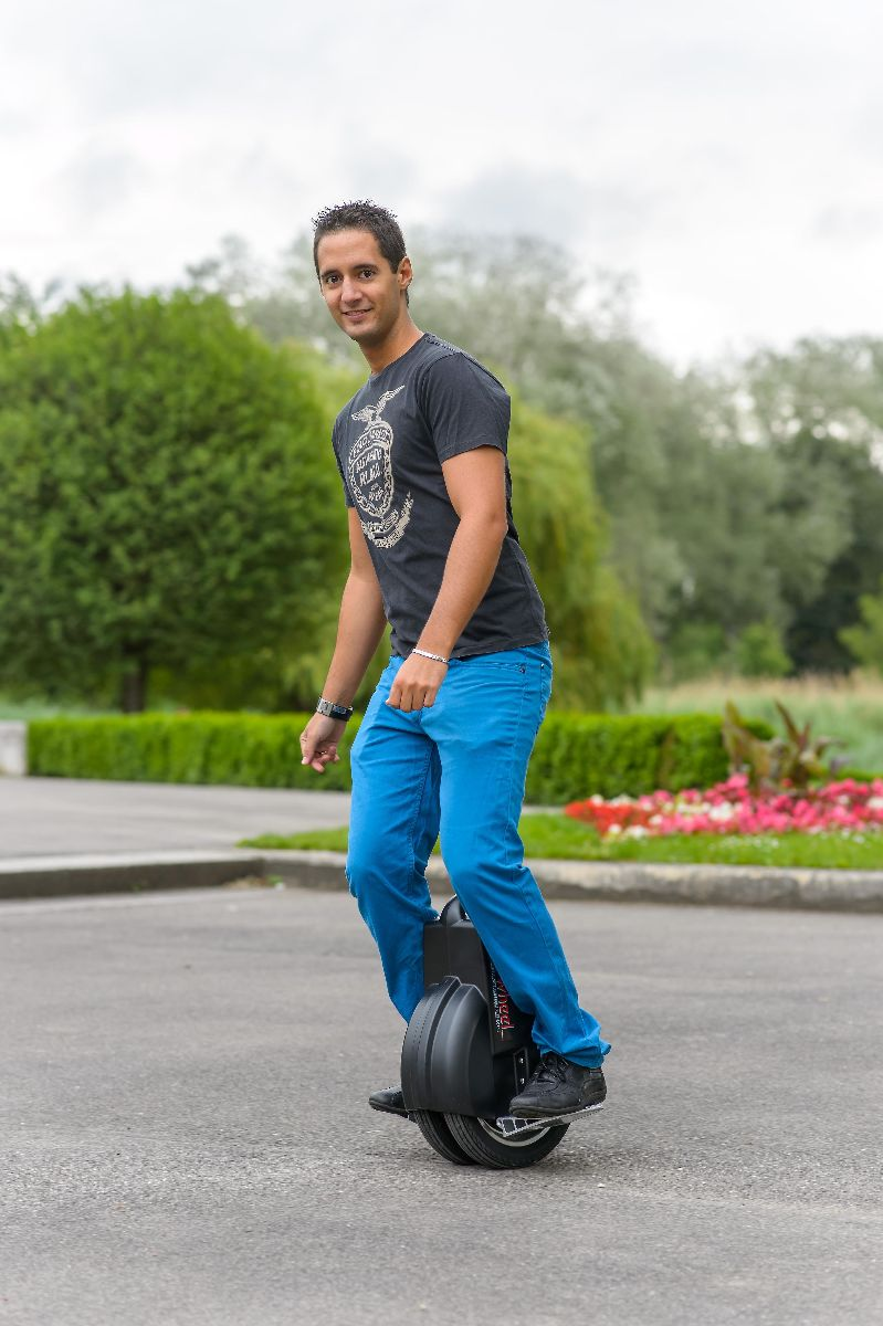 Airwheel Q3 Frees You From Traffic Congestion