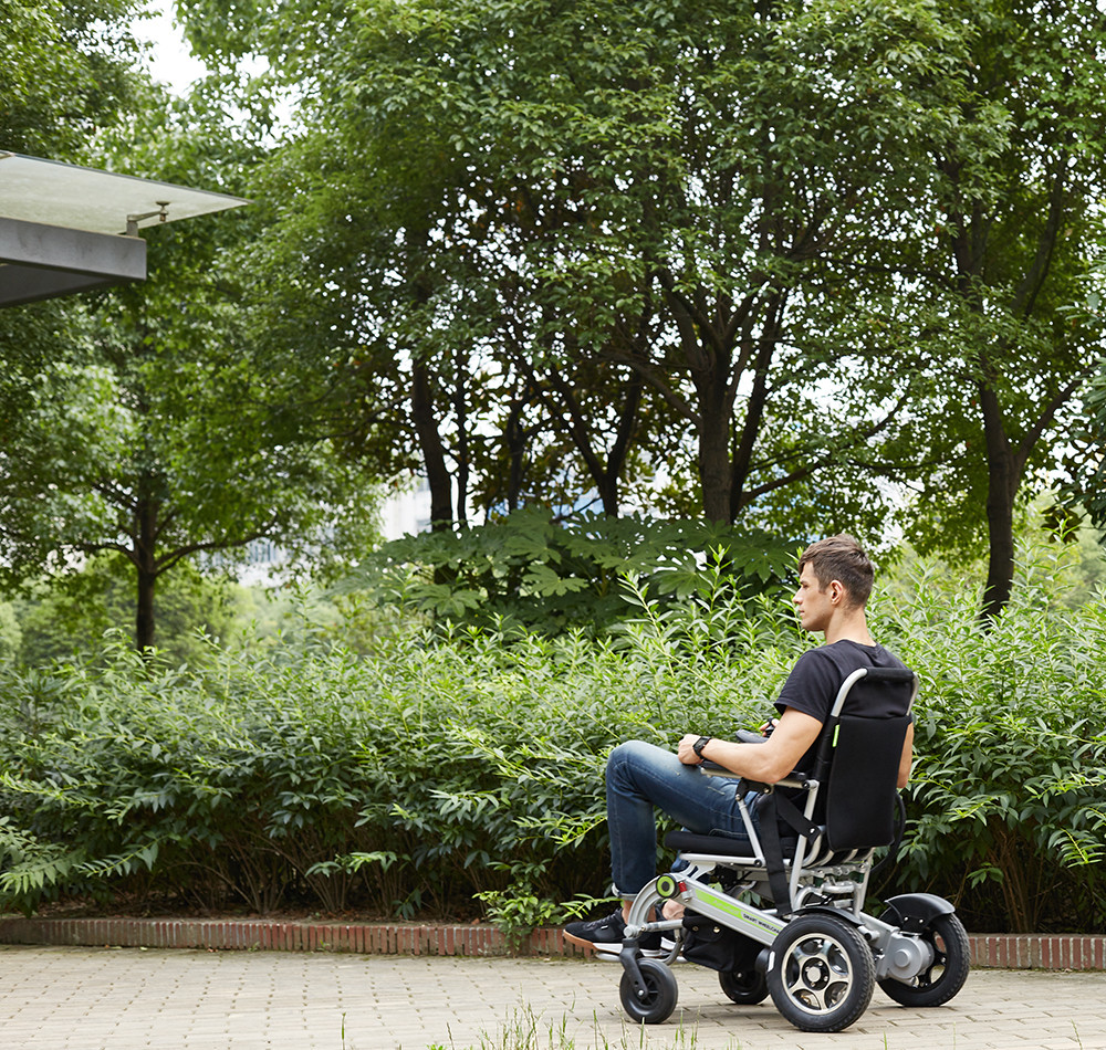 Airwheel H3 intelligent folding wheelchair
