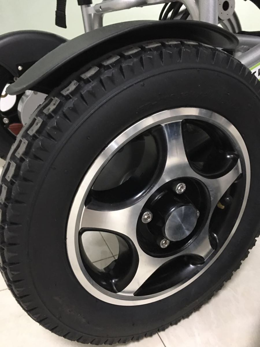 Airwheel H3 tires