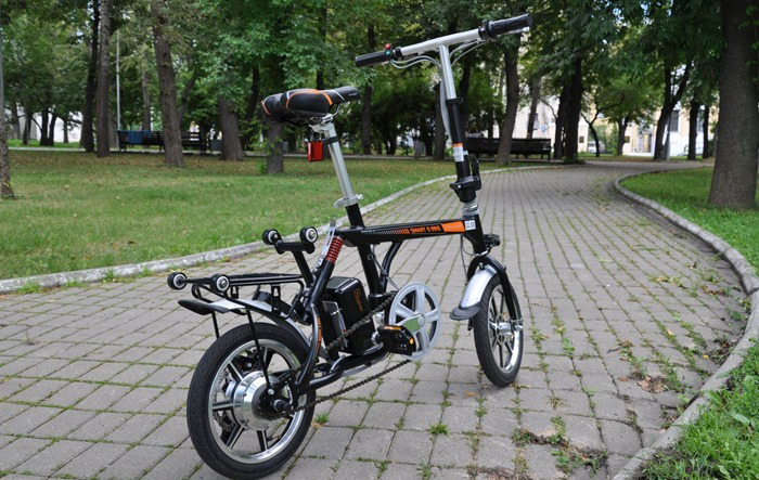 Airwheel R3 electric bike