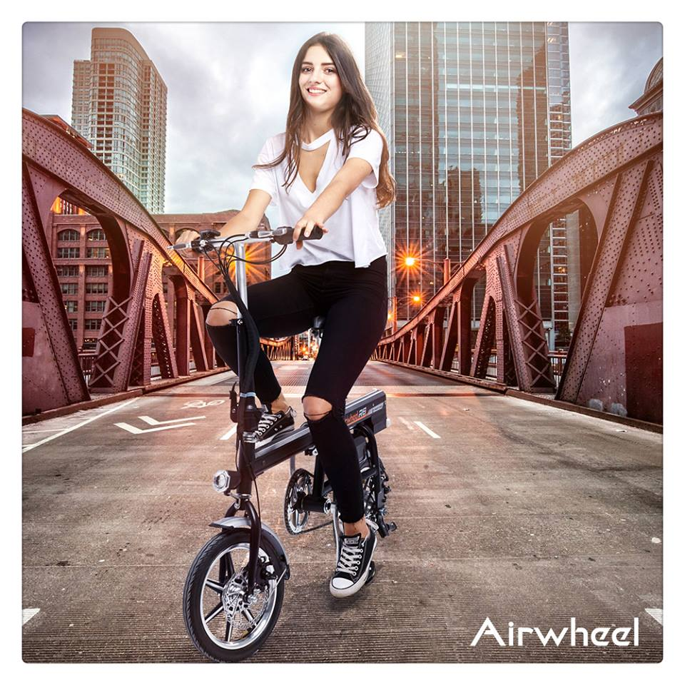 Airwheel R6 electric assist bike