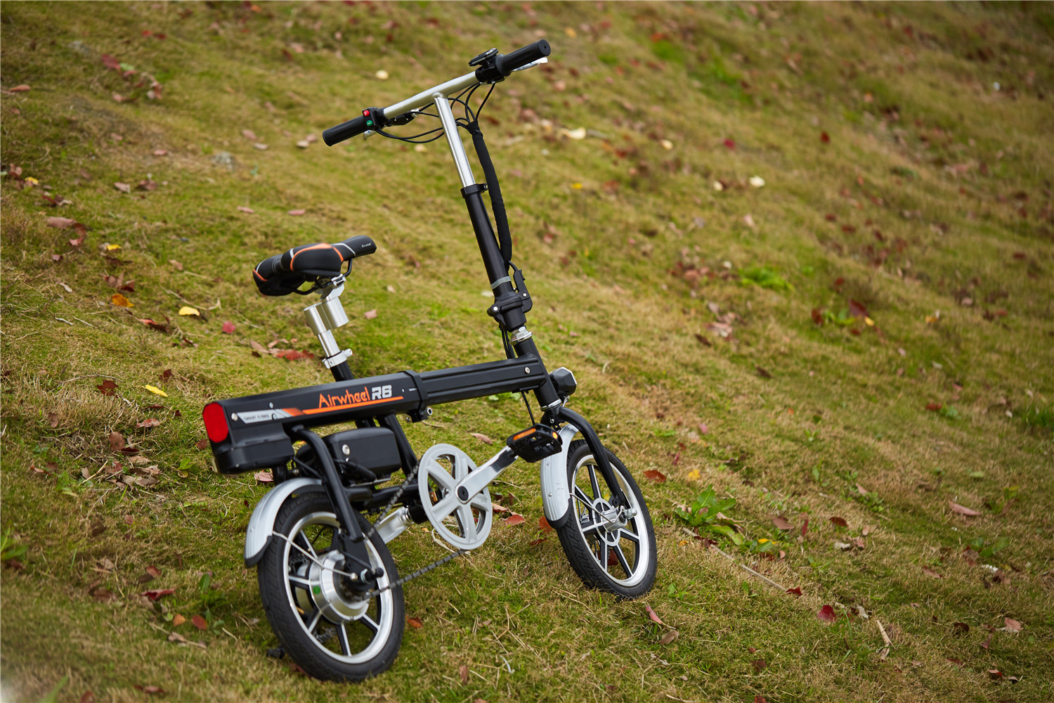 Airwheel R6 assist bike