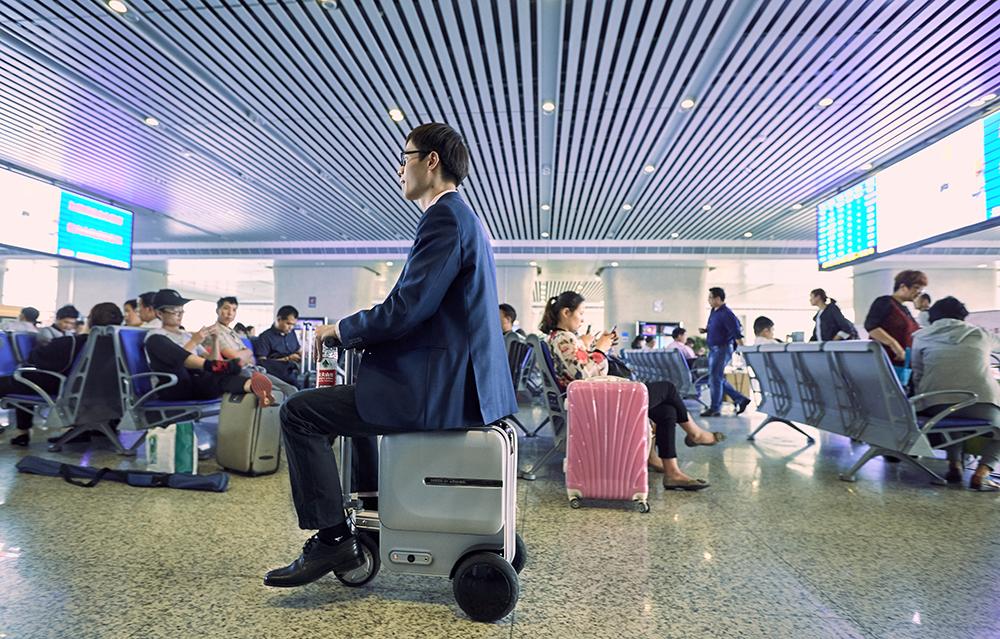 Airwheel SE3 bagaglio motorizzato