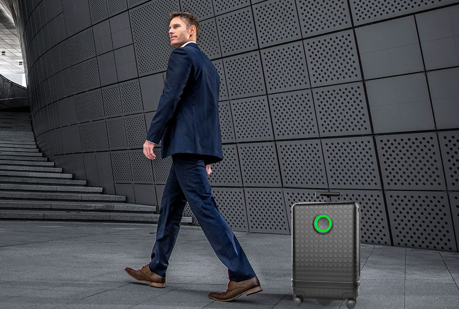 Airwheel SR5 robotic suitcase follows you