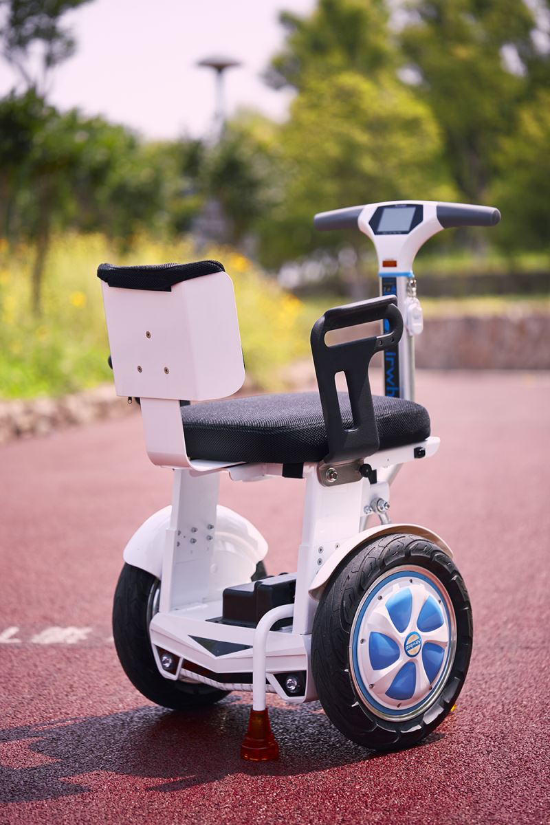 Airwheel A6T wheelchair with handlebar(6).