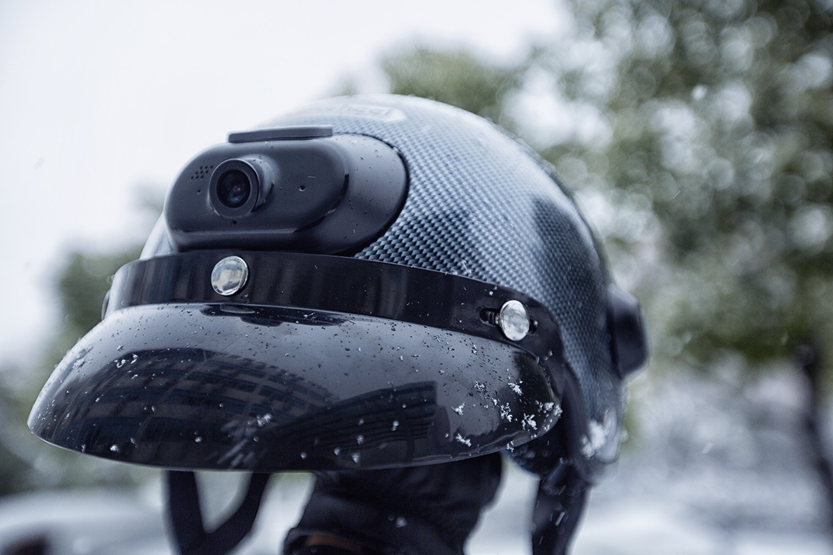 Airwheel C6 helmet for Extreme sports.