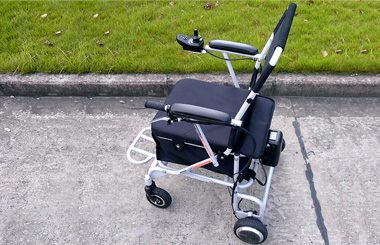 Airwheel H8 outdoor manual wheelchair(1).