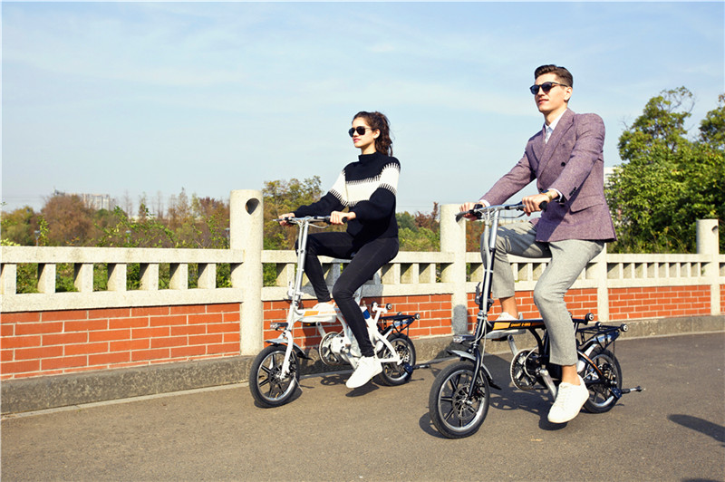 Airwheel R3 electric moped bicycle.