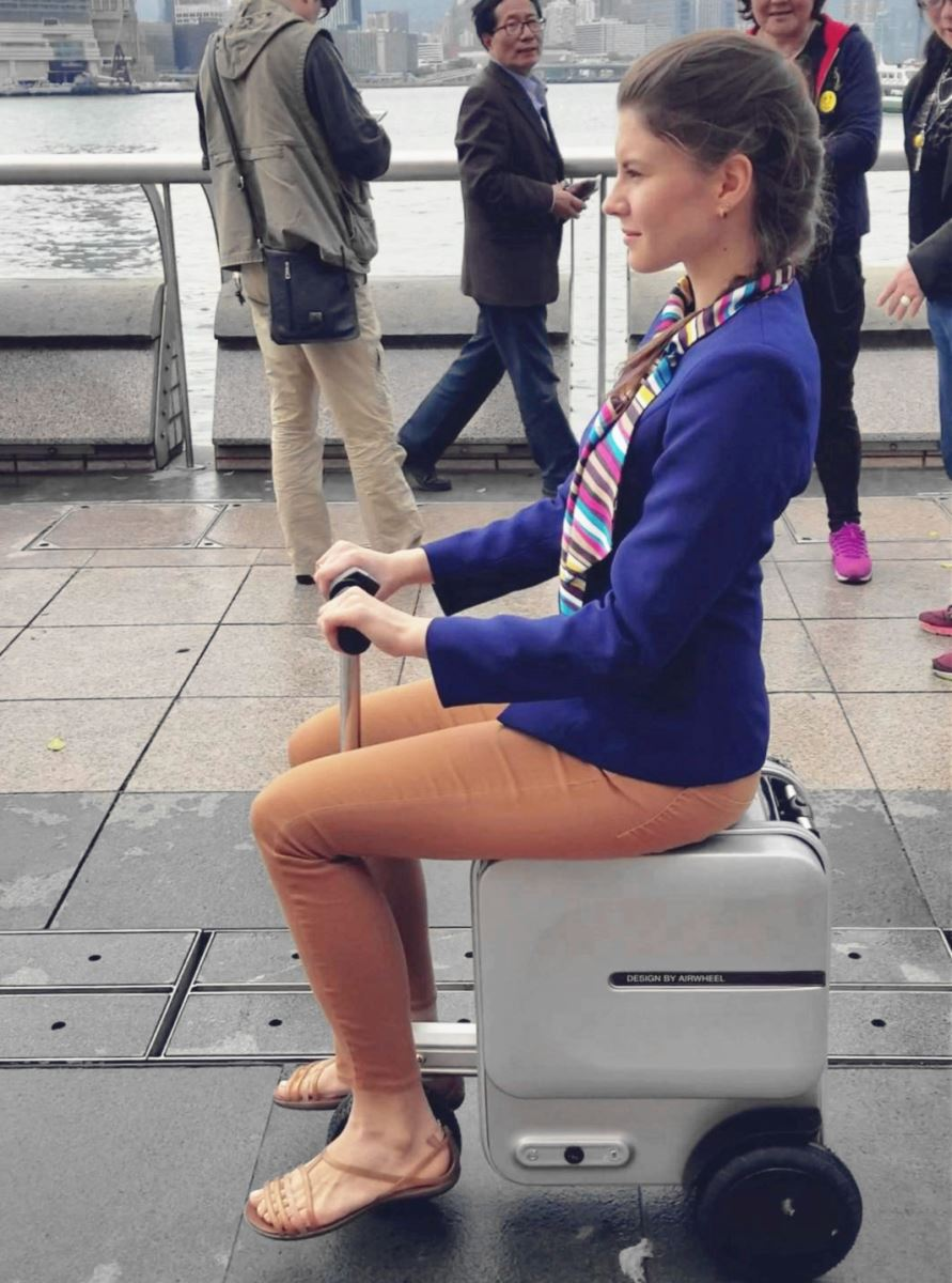 Airwheel SE3 electric suitcase2