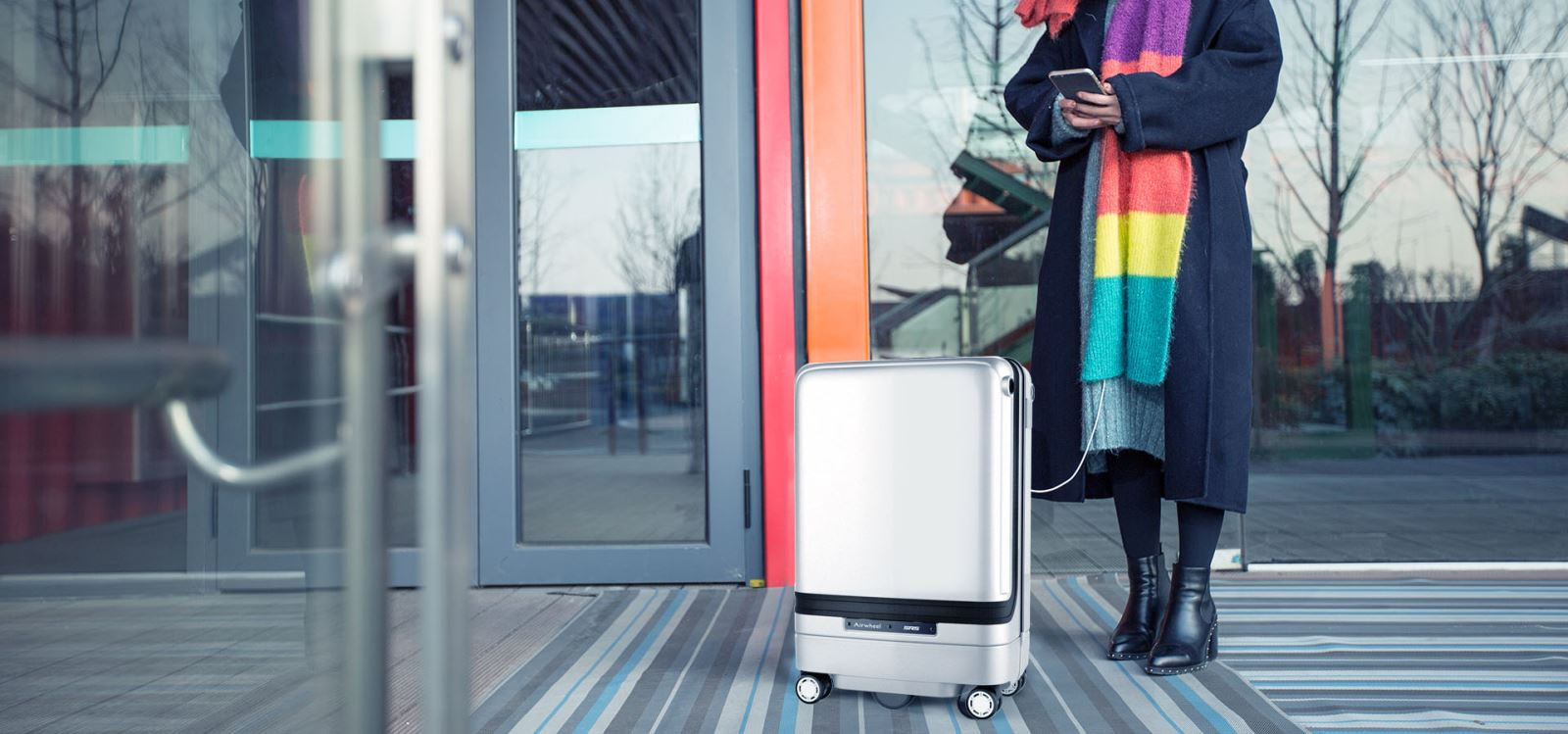 Airwheel sr5 electronic traveling suitcase%20(3)(2).