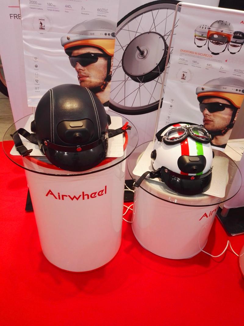 Airwheel backpack electric bike